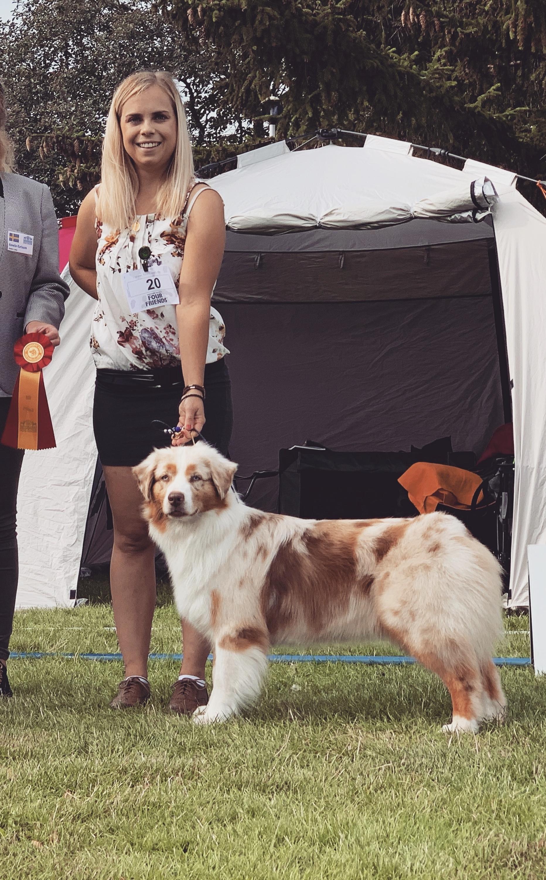 Lea Edberg och hund